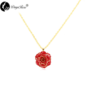 Daiya True Rose Necklace (fresh Rose)