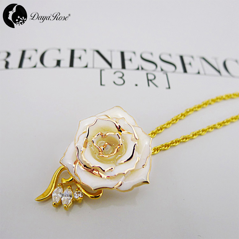 Amy Granule White Rose Necklace (fresh Rose)